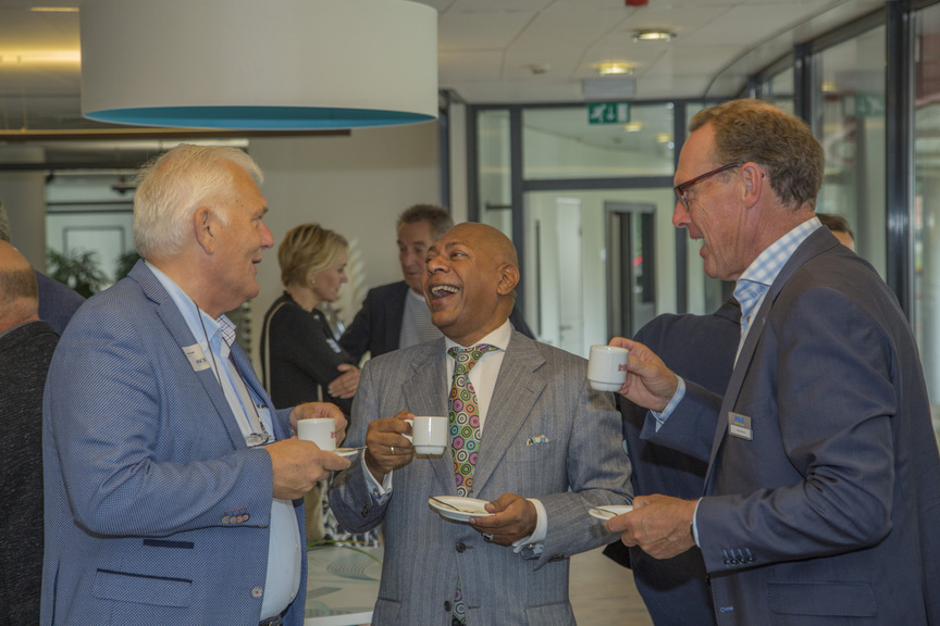 Trendwatcher Adjiedj Bakas gastspreker tijdens MKB Westland Energiek Ontbijt