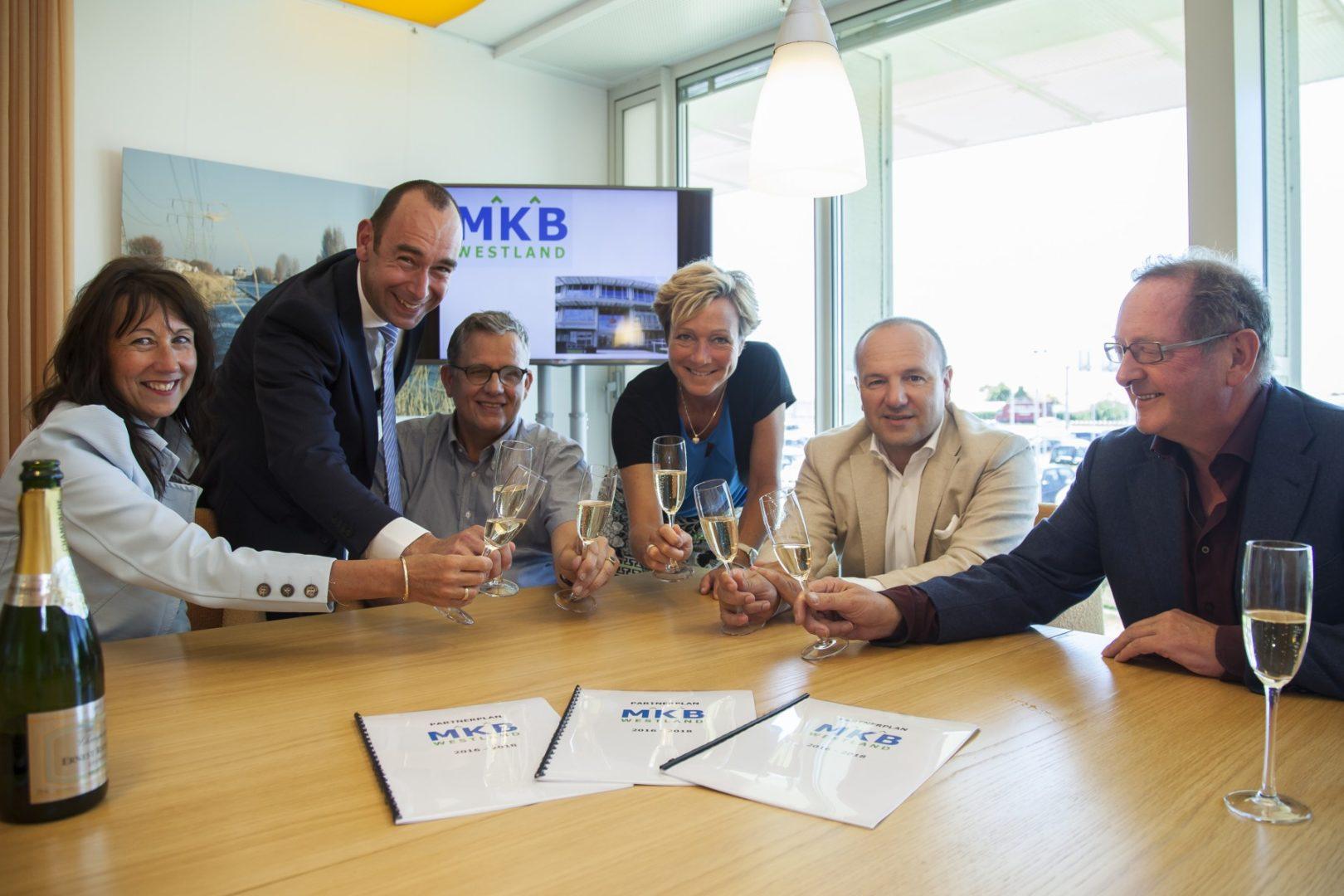 Rabobank Westland blijft komende 3 jaar sponsor van MKB Westland 'Snertbijeenkomst'